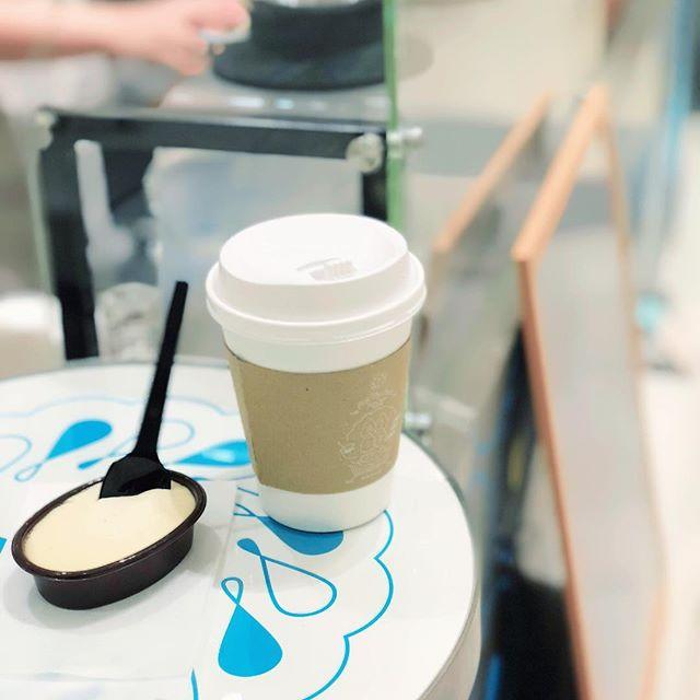 お茶の菓さいさい神戸マルイ店です😊 神戸マルイ店限定の温かいほうじ茶とクリームプリンのセットは当店オープンのため…